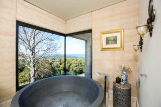 The Pavilion bathroom | Foxground