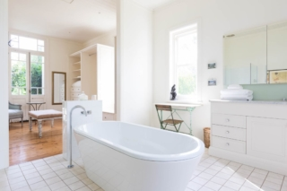 Willow Farm bathroom | Berry